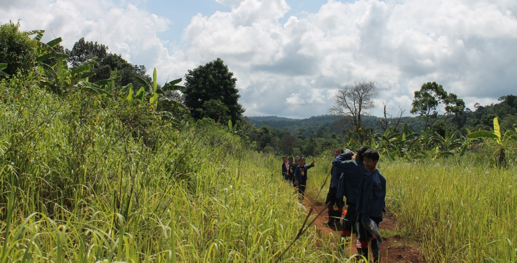 We are walking to O'malu waterfall.